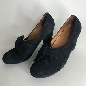 Jeffrey Campbell 9.5 black Suede Pumps Bow Tie